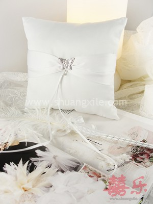 Tie The Knot @ Elegance Wedding Ring Pillow