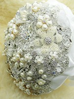 Pearl Jewelled Brooch Bouquet