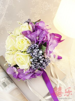 The Gift of Love - Purple Cream Rose Bud Hand Bouquet~New!